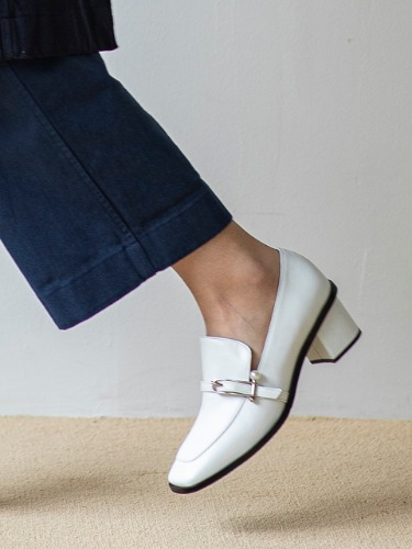 BJP19302 PEARLBALL LOAFER WHITE